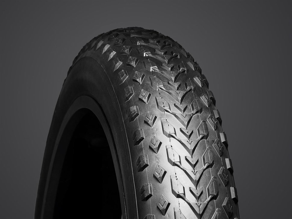 Велопокрышка Vee Tire 24x4.00, Mission Coммand MPC, 120tpi, кевлар, черная
